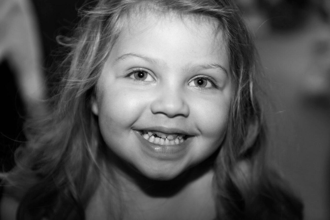 cute girl b&w photography